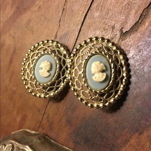 1960s Cameo Clip On Earrings